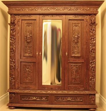 Bardzo dobryFantastyczny Ekskluzywna wersja szafy rzeźbionej do sypialni stylizowanej na XY56