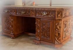Biurko do gabinetu myśliwego