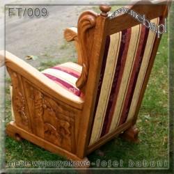 Fotel artystyczny stylizowany na antyl