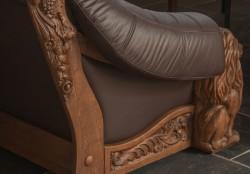 Fotele rzeźbione w skórze