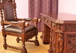 Fotel i biurko na styl myśliwski