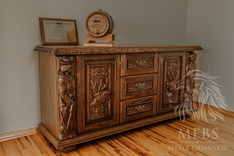 komoda drewniana ręcznie rzeźbiona