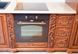 Rzeźbione szafki kuchenne