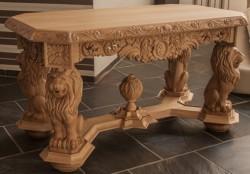 kawowy stolik rzeźbiony