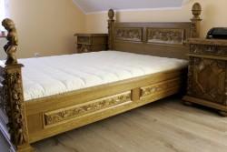 Łóżko stylowe do sypialni w stylu antycznym