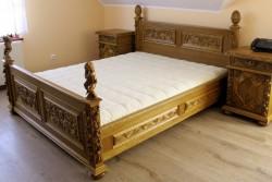 meble rzeźbione do sypialni w stylu mebli antycznych