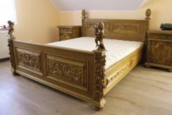 Stylowe łóże małżeńskie do sypialni w starym stylu