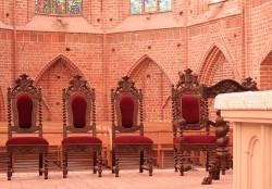 Prezbiterium Kościoła w starym stylu