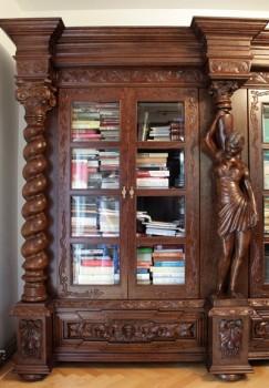 Rzeźbione meble do biura