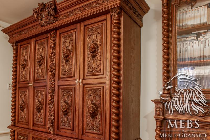 Rzeźbiona luksusowa szafa
