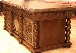 Biurka Gdańskie stylizowane na antyki
