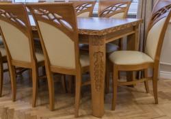 drewniany stół rozkładany