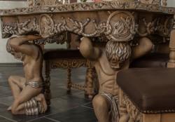 Stół z krzesłami do pałacu