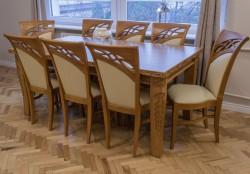 stół z krzesłami do stylowej jadalni