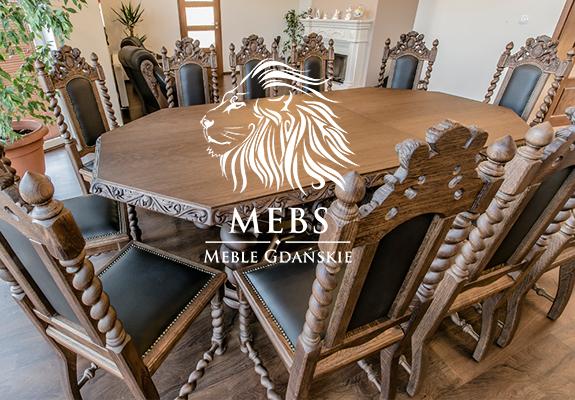 stół z krzesłami do jadalni w starym stylu