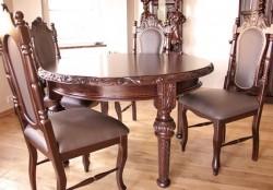 Stół rzeźbiony okrągły z krzesłami