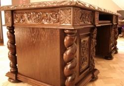 Stylizowane biurko rzeźbione gdańskie