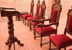 Meble rzeźbione do prezbiterium
