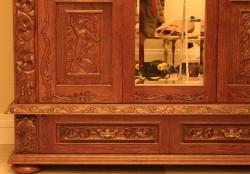 Meble rzeźbione do sypialni w starym stylu