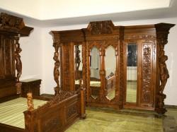 szafa z lustrem w starym stylu mebli gdańskich