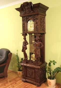 Zegary stylowe ręcznie rzeźbione